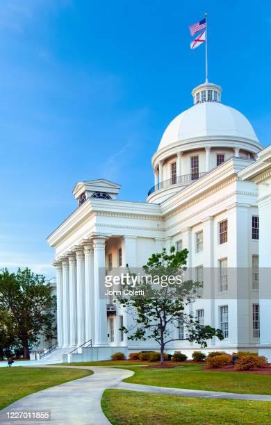 montgomery, alabama, state capitol building - montgomery ストックフォトと画像