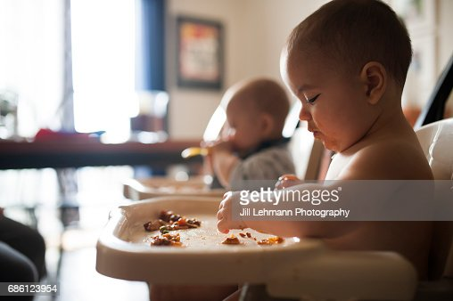 8 month Fraternal Twin Boys Eat Together