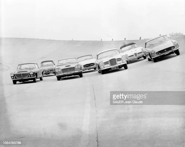 Montlhéry France septembre 1960 Photographiées sur le circuit de Montlhéry les voitures 'sport' qui seront présentées en octobre au 47ème Salon de...