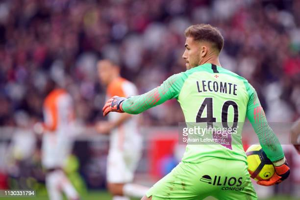 Montpellier's Benjamin Lecomte in action during the Ligue 1 match between Lille and Montpellier at Stade Pierre Mauroy on February 17 2019 in Lille...