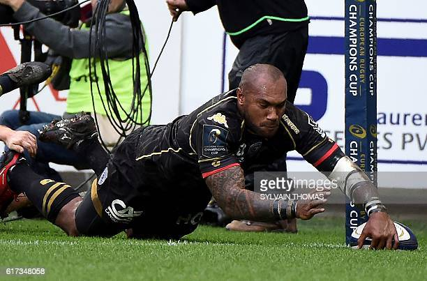 Montpellier's Fijian winger Nemani Nadolo scores a try during the European Rugby Champions Cup rugby match between Montpellier and Leinster at the...