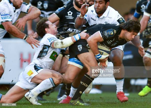 TOPSHOT Montpellier's South African number eight Jan Serfontein runs with the ball during the European rugby champions cup match between Montpellier...