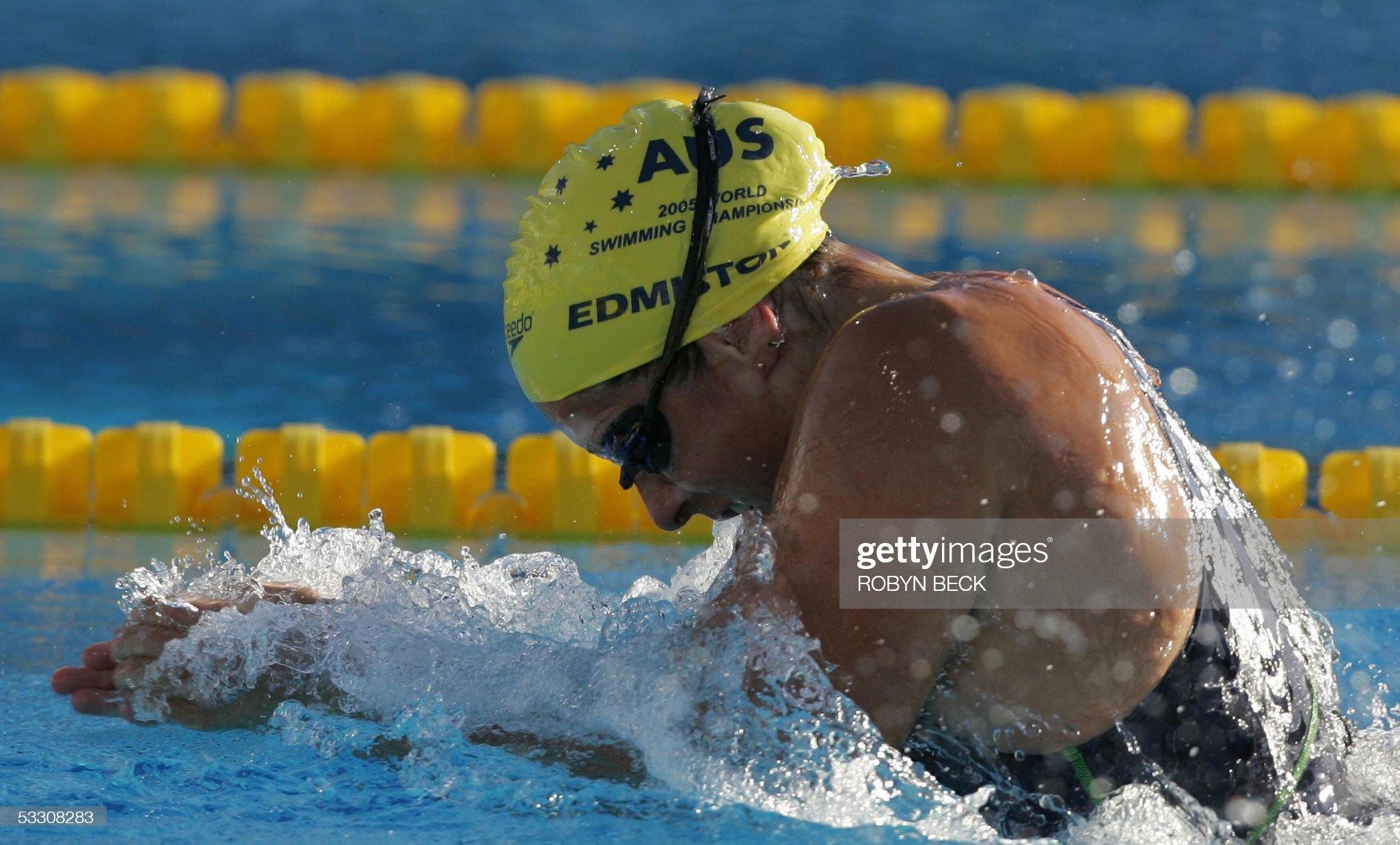 Jade Edmistone of Australia swims in the : Fotografía de noticias
