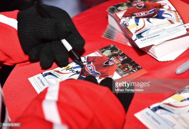 Montreal Canadiens alumni José Théodore signs autographs in the Centennial Fan Arena during the 2017 Scotiabank NHL100 Classic at Lansdowne Park on...