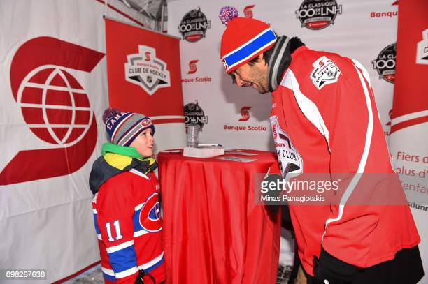 Montreal Canadiens alumni José Théodore talks with fans in the Centennial Fan Arena during the 2017 Scotiabank NHL100 Classic at Lansdowne Park on...