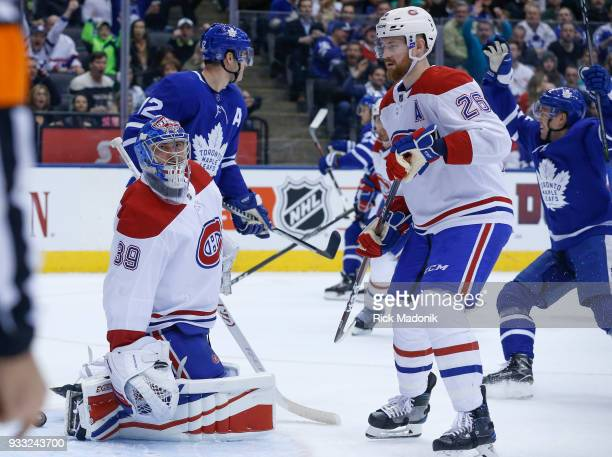 Montreal Canadiens goaltender Charlie Lindgren looks toward the ref after the Nylander goal Toronto Maple Leafs VS Montreal Canadiens during 1st...