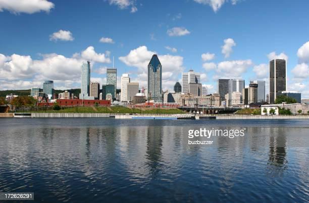 Bâtiments de la ville de Montréal en été