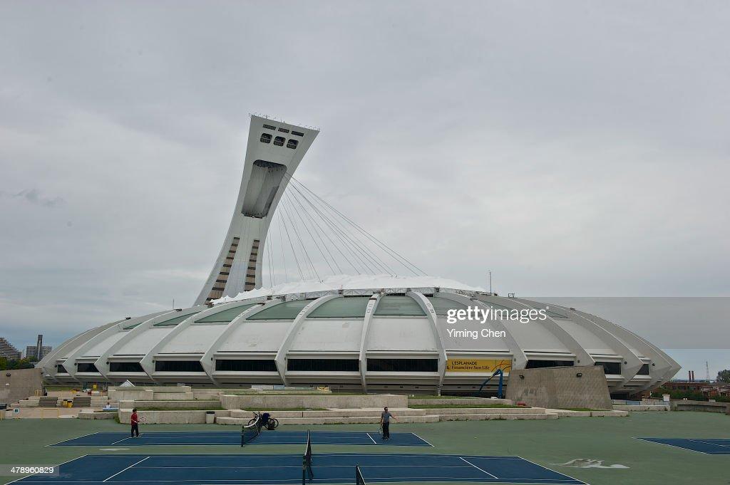 Canadian City Life : News Photo