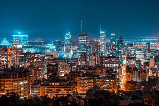 Montreal Skyline 920835832