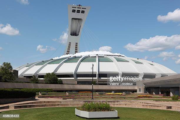montreal's olympic stadium - montreal olympic stadium stock photos and pictures