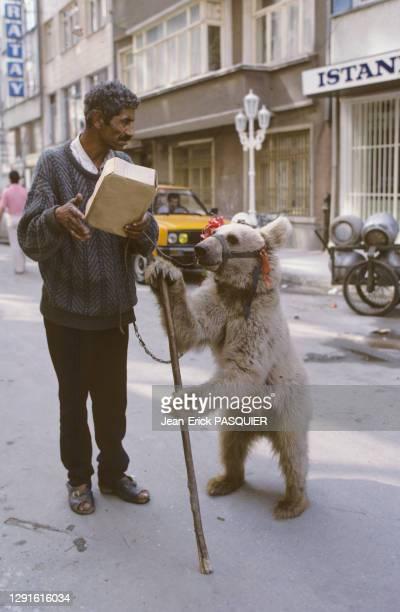 Montreur d'ours, septembre 1987, Istanbul, Turquie