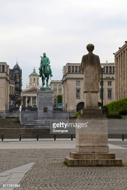 monts des arts in brussels - godfrey of bouillon stock pictures, royalty-free photos & images