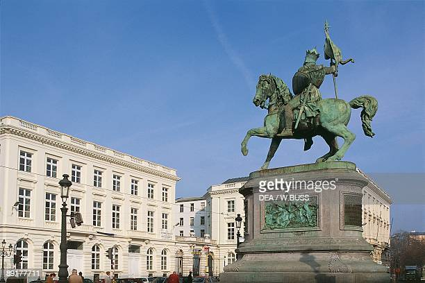 Monument in front of a building, Monument Of Godfrey Of Bouillon, Brussels, Belgium