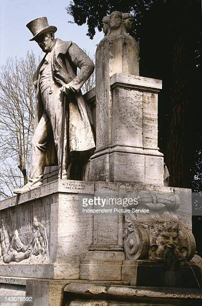 Monument of the Italian poet Joseph Gioacchino Belli Piazza Sonnino Rome Italy The monument was designed and sculpted by Michele Tripisciano in 1913
