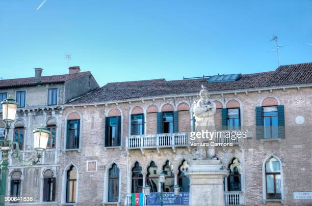 monument to niccolò tommaseo - campo santo stefano, venice, italy - campo santo stefano stock pictures, royalty-free photos & images