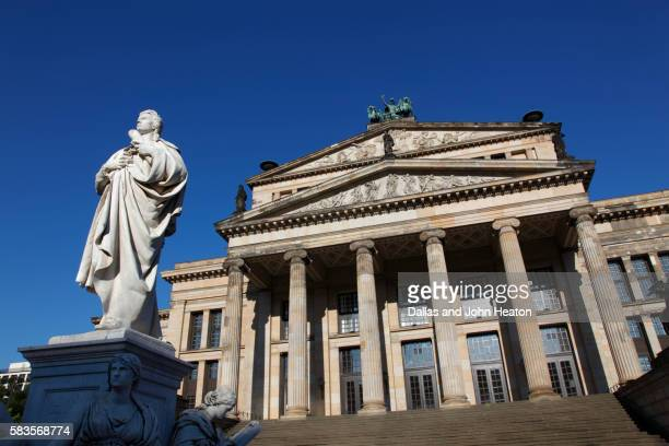 monument to poet schiller and berlin concert hall - konzerthaus berlin stock pictures, royalty-free photos & images