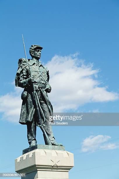 monument to the 124th pennsylvania volunteer infantry - antietam national battlefield stock photos and pictures