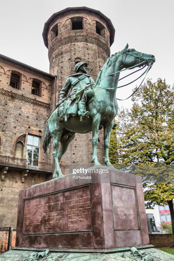 Monument to the knights of Italy - Piazza Castello - Turin : Foto stock