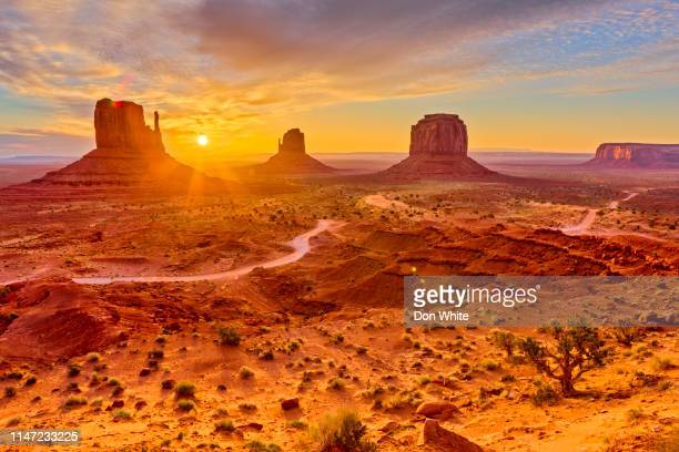 monument valley in arizona - horizontal stock pictures, royalty-free photos & images