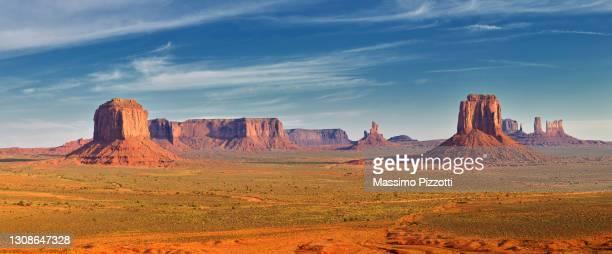 monument valley in arizona - massimo pizzotti foto e immagini stock