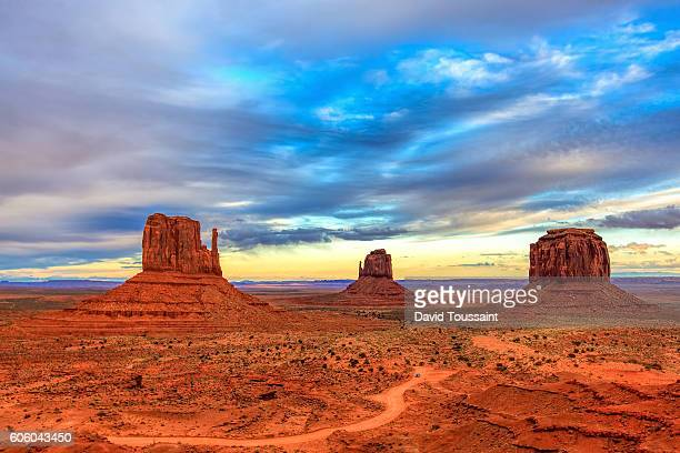 monument valley just before sunset - monument valley tribal park stock photos and pictures