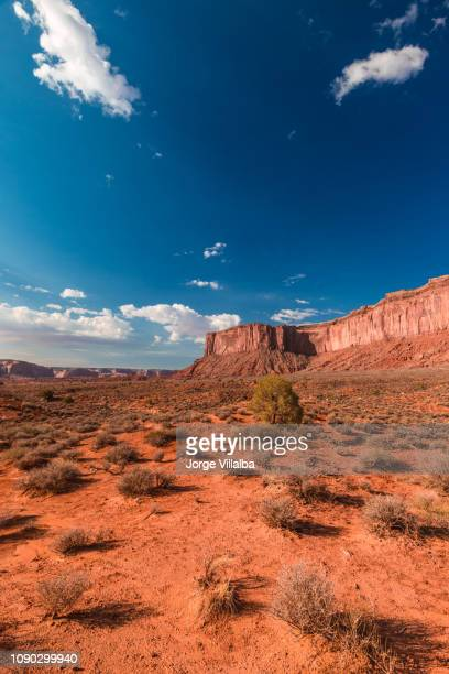 monument valley landscape with buttes - bryce canyon stock pictures, royalty-free photos & images