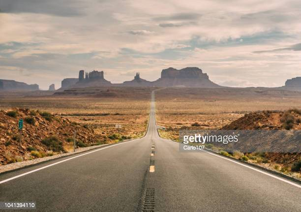 monument valley scenic road - sandy utah stock pictures, royalty-free photos & images