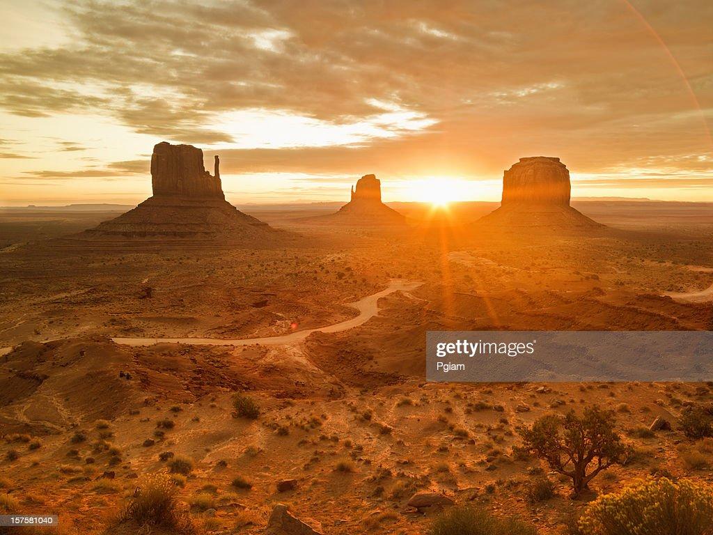Monument Valley Tribal Park : Stock Photo