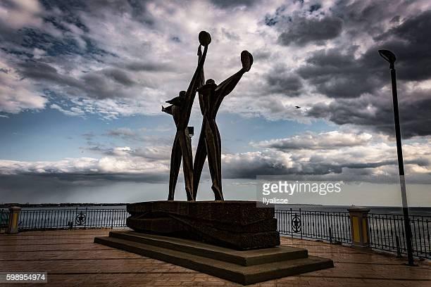 monumento ai marinai - monumento foto e immagini stock