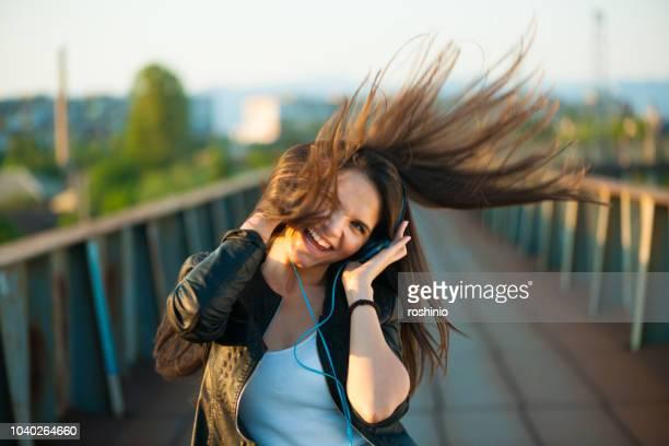 humeur - gogo danseuse photos et images de collection
