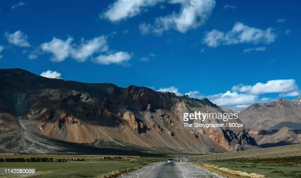 moody landscape on the manali leh highway - the storygrapher bildbanksfoton och bilder