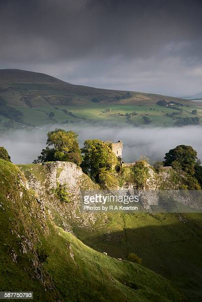 moody morning light on peveril castle, derbyshire - peveril castle stock pictures, royalty-free photos & images