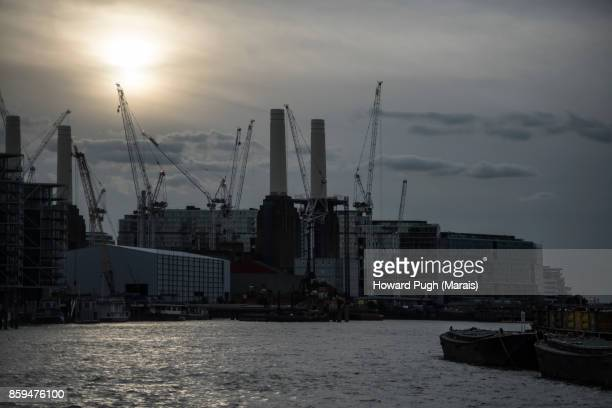 Moody Sunset Scenes of Battersea Power Station Upon Thames
