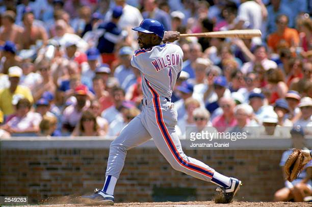 Mookie Wilson of the New York Mets swings during a game in the 1989 season