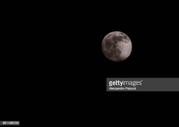 moon - dieux grecs photos et images de collection