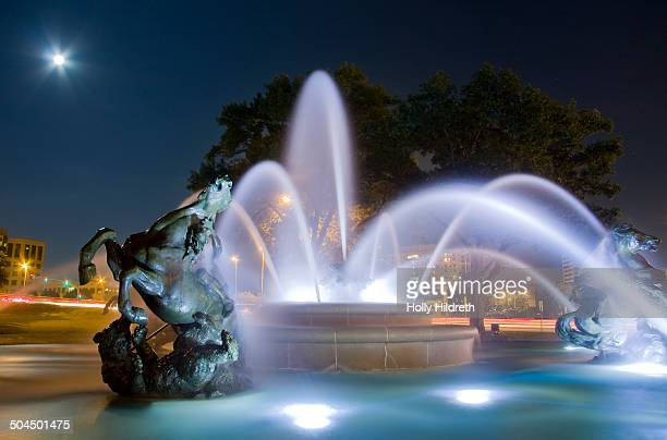 CONTENT] Moon rise over the JC Nichols Fountain by HenriLéon Gréber in a park at the Country Club Plaza Kansas City Missouri