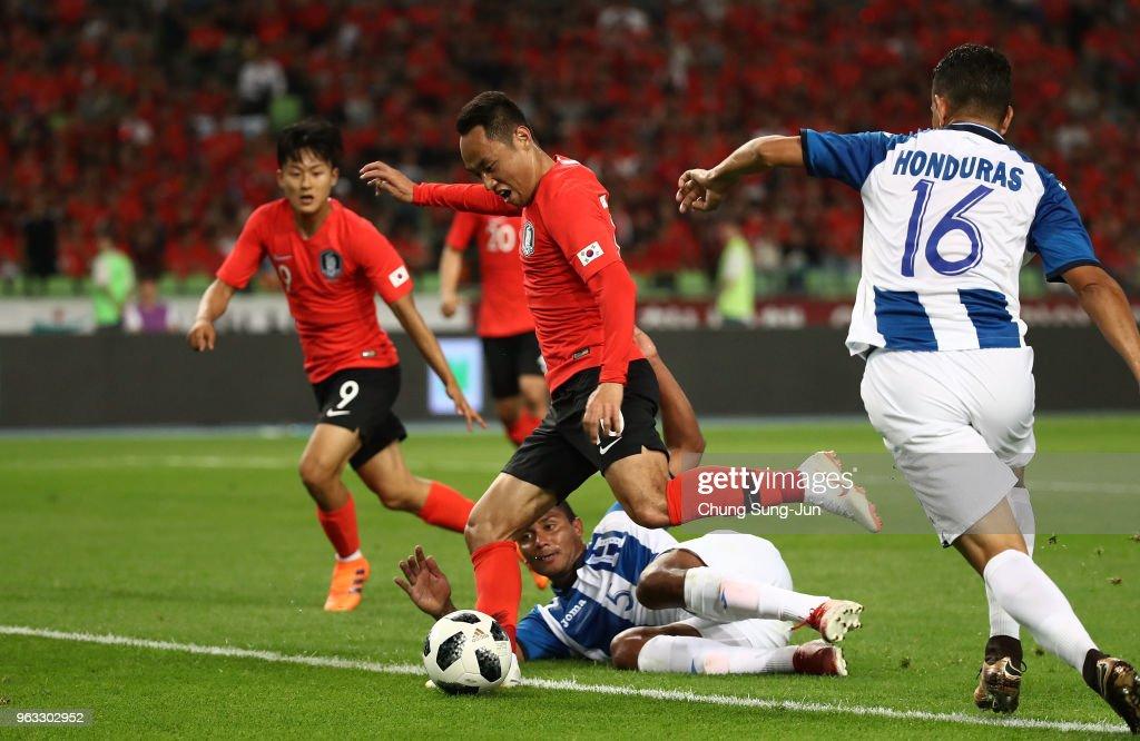 Moon Seon-Min of South Korea scores a second goal during the international friendly match between South Korea and Honduras at Daegu World Cup Stadium on May 28, 2018 in Daegu, South Korea.