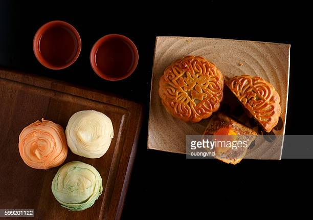 mooncake and tea,chinese mid autumn festival food. - moon cake stock pictures, royalty-free photos & images