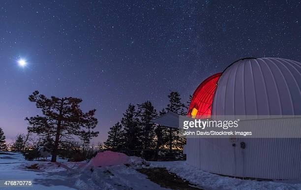 moonlight illuminates the schulman telescope on mount lemmon. - observatory stock pictures, royalty-free photos & images