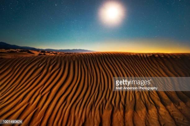 moonlight serenade number 2 - great sandy desert fotografías e imágenes de stock