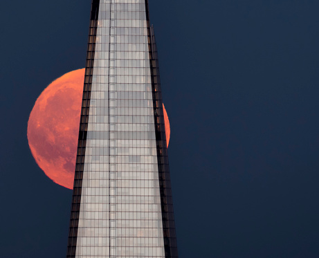 Moonrise London - gettyimageskorea