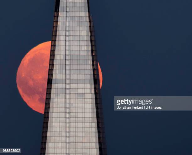 moonrise london - shard london bridge stock pictures, royalty-free photos & images