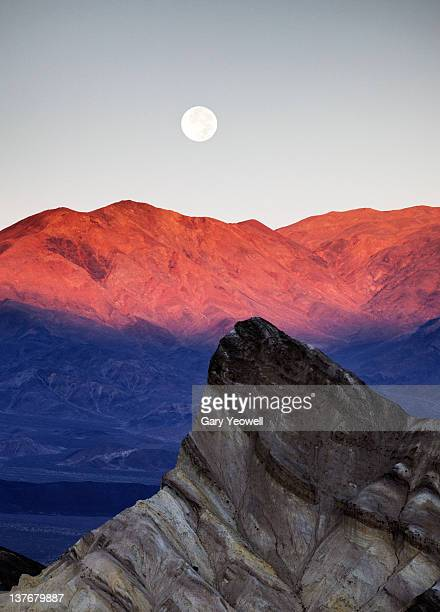 moonrise over manly beacon,zabriskie point - yeowell foto e immagini stock