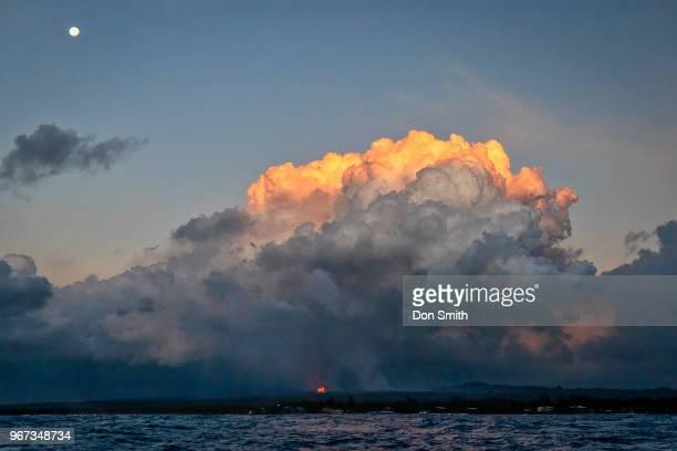 moonset and lava - パホア ストックフォトと画像