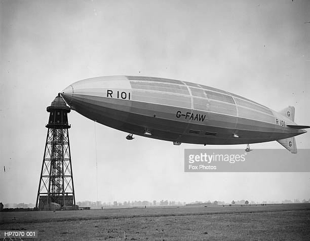 r 101 moored - 1920 1929 stock pictures, royalty-free photos & images