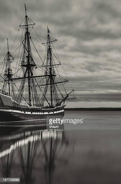 停泊する帆船