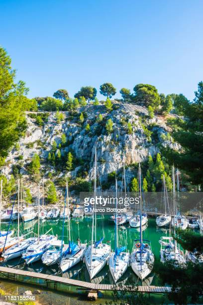 moored yachts on a calanque near cassis, france - bouches du rhone stock pictures, royalty-free photos & images