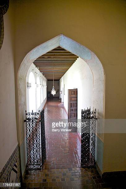 moorish entryway to corridor with wood ceiling - 1920 1929 stock pictures, royalty-free photos & images