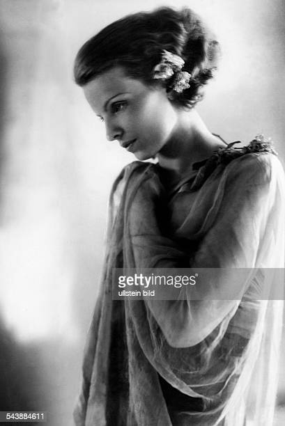 Moos Trude Actress Germany* as ' Titiana ' in the play ' A Midsummer Nights Dream ' at the Heidelberger Festspiele Photographer Rosemarie Clausen...