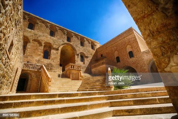 mor hananyo monastery, mardin, turkey - monastery stock pictures, royalty-free photos & images